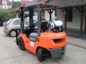 Wózek widłowy TOYOTA 42-7FGF25